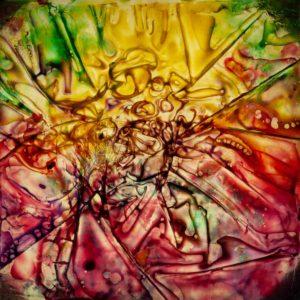 abstaktes Bild bunt, Diapositiv für Projektion, handcrafted, colorierte gefaltete Folie rot gelb
